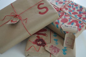 christmas gift wrapping idea for kids