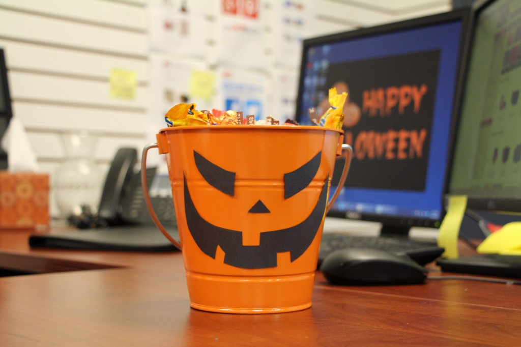 decorating office for halloween. Office Desk Halloween Decoration Idea Decorating For