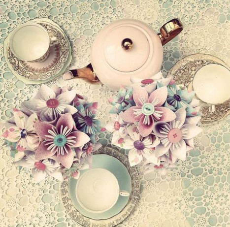 paper flower table
