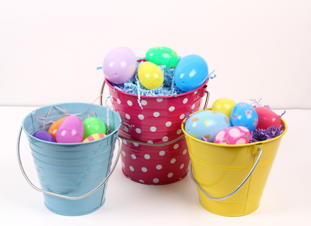 there isnu0027t much crafting to this craft just fill your buckets with shred tissue add the eggs on top and youu0027re all set