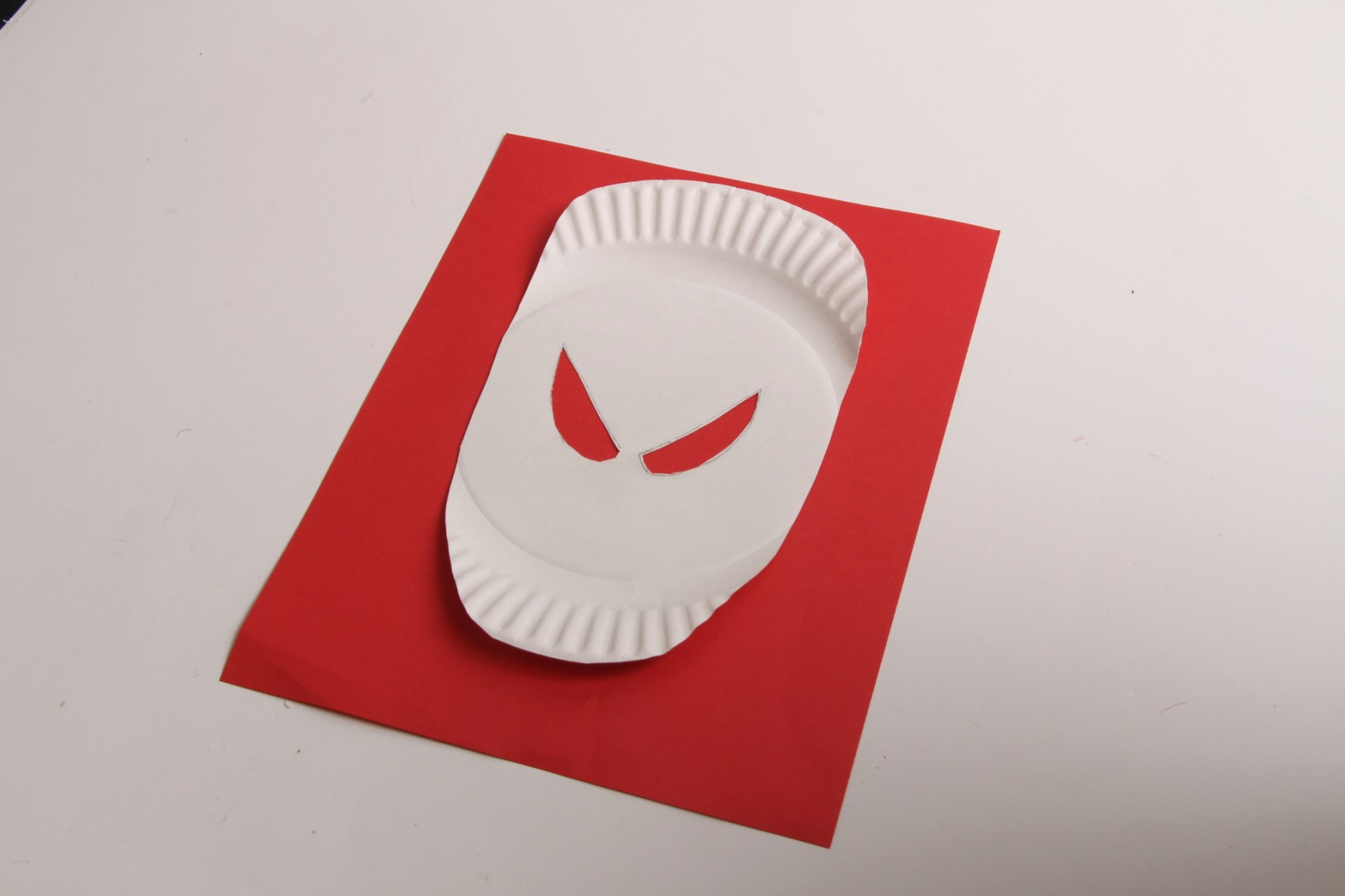 how to make a speaker using a paper plate