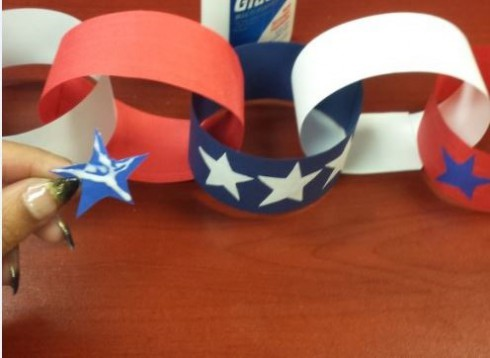 You & Your Kid's Patriotic Paper Chain