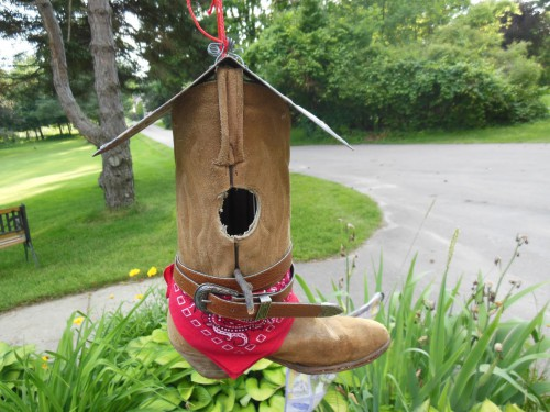 10 Trendy DIY Shoe Birdhouses - JAM Blog