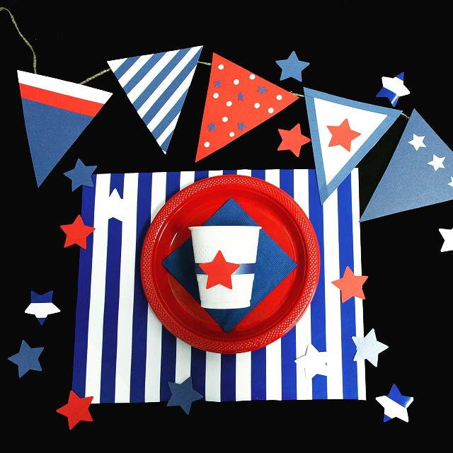 How are you prepping for Memorial Day?! Make sure to read our blog to find the best decorations for your BBQ jampaper.com/blog #blog #red #white #blue #diy #paper #partysupplies #officesupplies #craft #crafting #cups #plates #napkins #banner #mdw #patriotic #stripes #stars #love