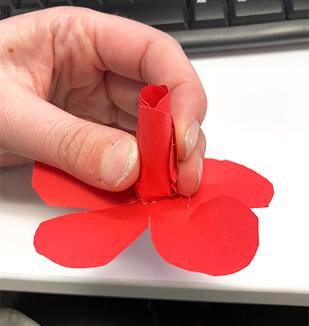 how to make paper roses, rose, squeeze